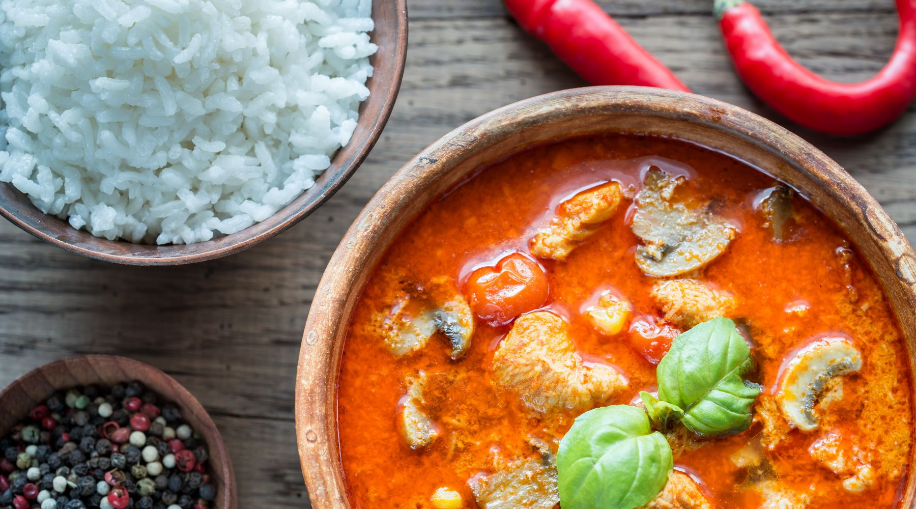 Recept:      THAISE RODE CURRY MET KIP